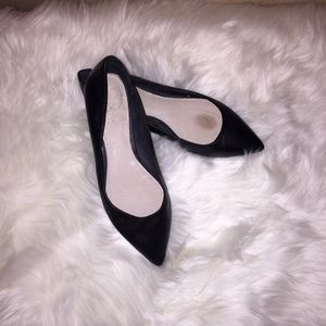 Vince Camuto Black Leather Flats   Size 7.5